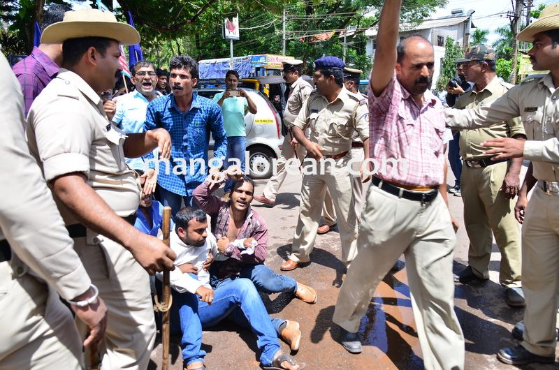image015baliga-sisters-protest-20160606-015