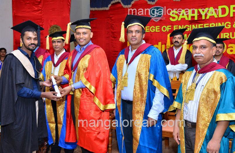 image015sahyadri-graduation-20160611-015