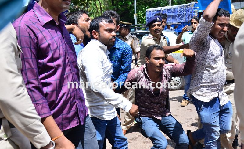 image016baliga-sisters-protest-20160606-016