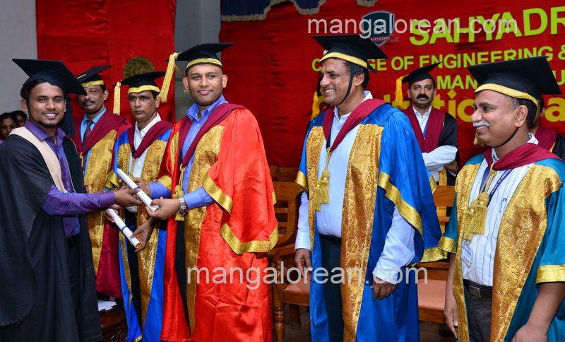 image016sahyadri-graduation-20160611-016
