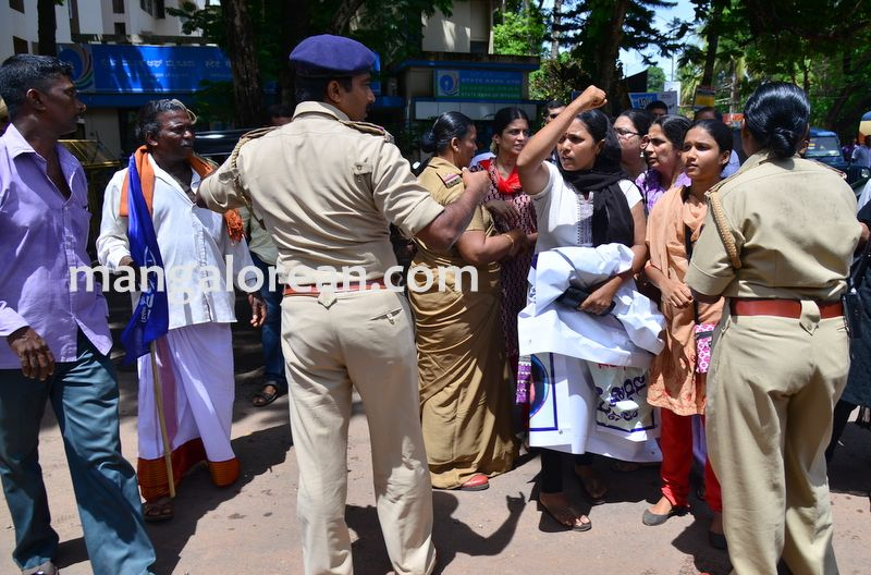 image017baliga-sisters-protest-20160606-017