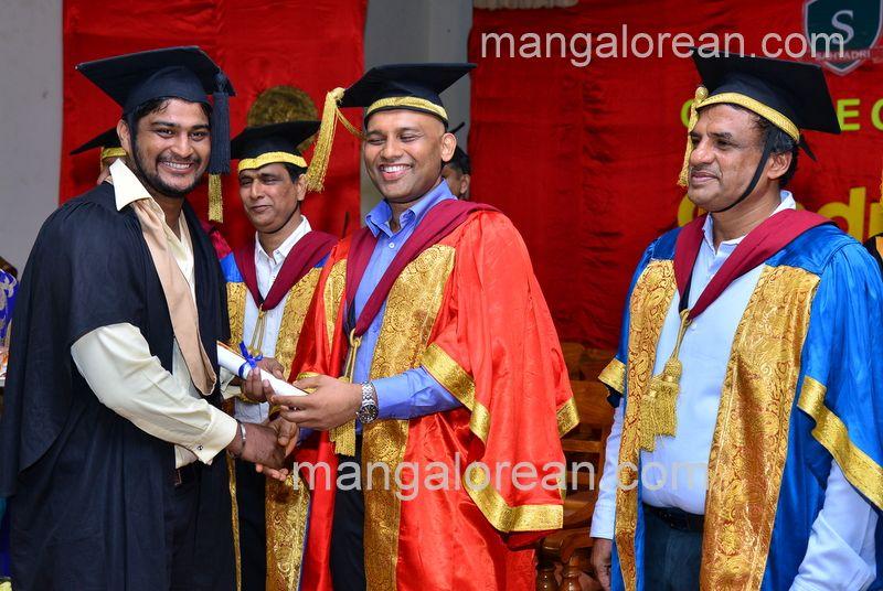 image018sahyadri-graduation-20160611-018