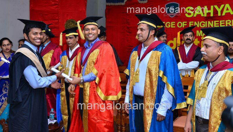 image019sahyadri-graduation-20160611-019