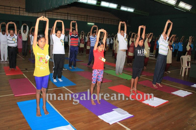 image020world-yoga-day-udupi-20160621