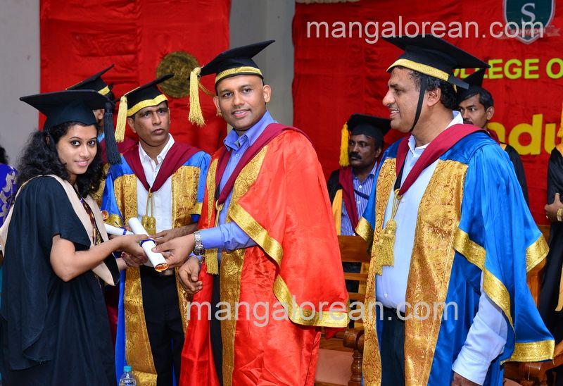 image022sahyadri-graduation-20160611-022