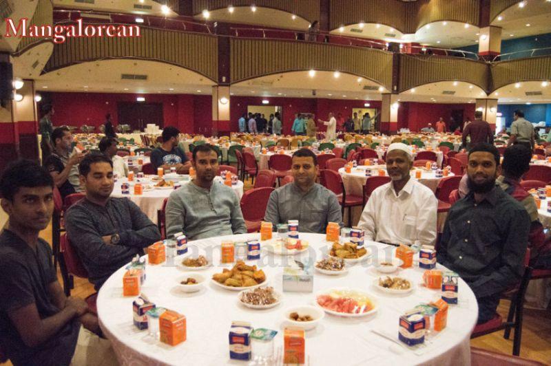 image024Sahebaan-Community-Grand-Iftar-2016-01-024