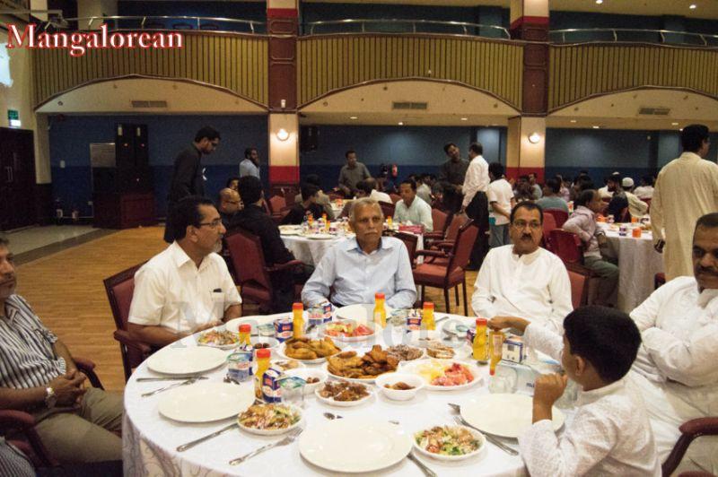 image025Sahebaan-Community-Grand-Iftar-2016-01-025