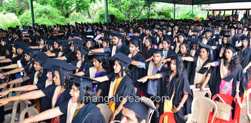 image027sahyadri-graduation-20160611-027