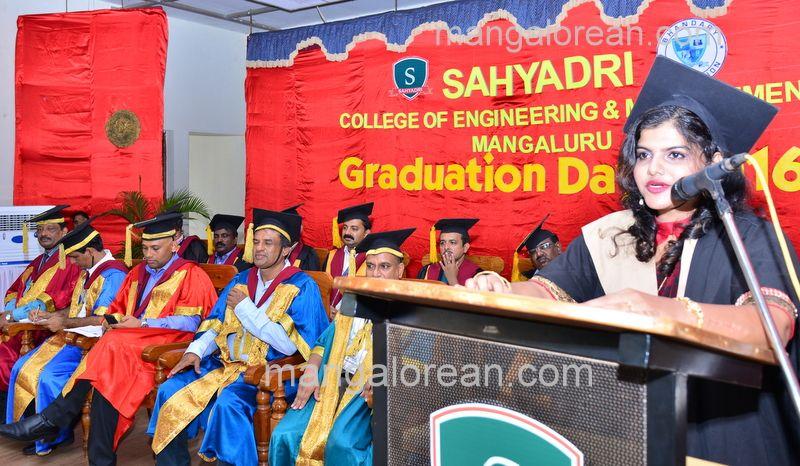 image029sahyadri-graduation-20160611-029