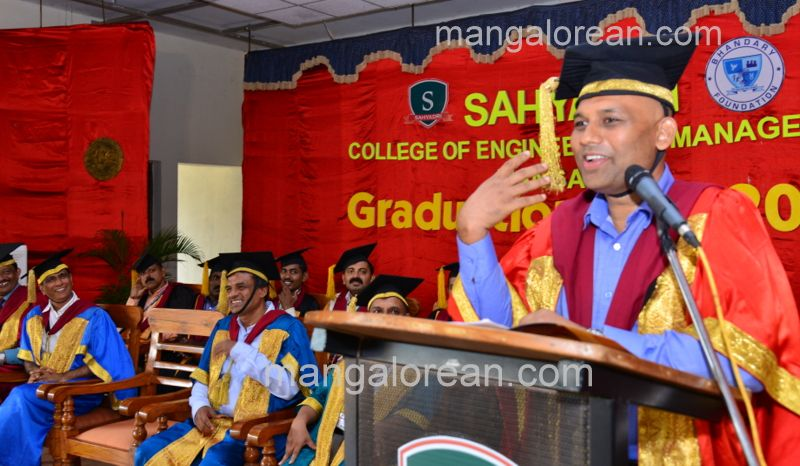 image033sahyadri-graduation-20160611-033