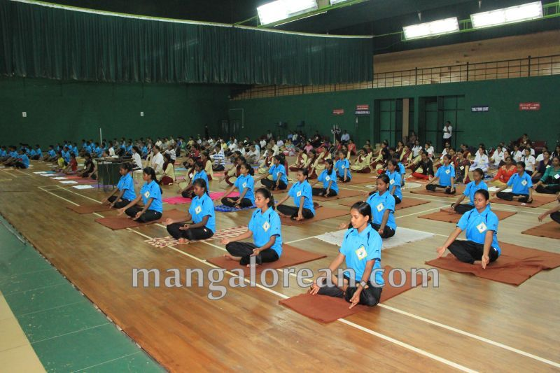 image034world-yoga-day-udupi-20160621