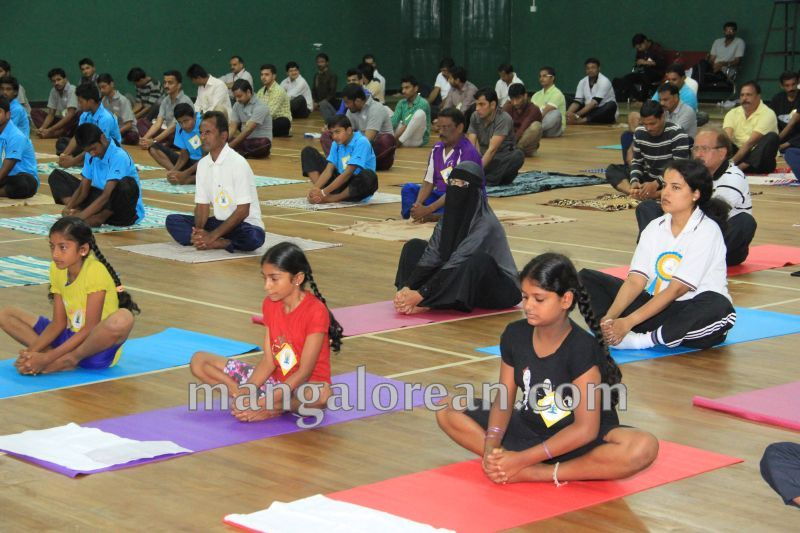 image038world-yoga-day-udupi-20160621