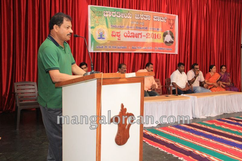 image040world-yoga-day-udupi-20160621