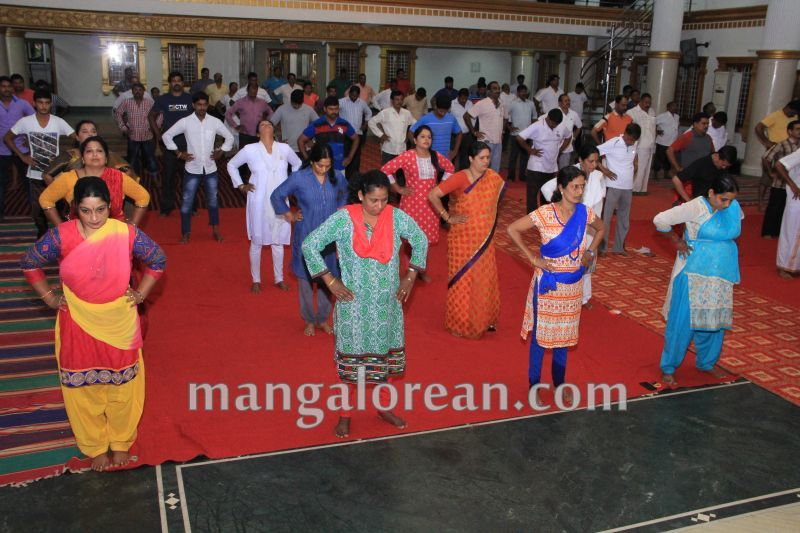 image045world-yoga-day-udupi-20160621