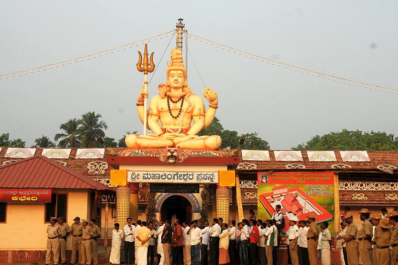 puttur-mahalingeshwara-temple-gets-new-committee-20160625