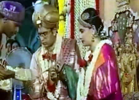 yaduveer-wadiyar-marries-trishika-kumari-mysuru1-20160627