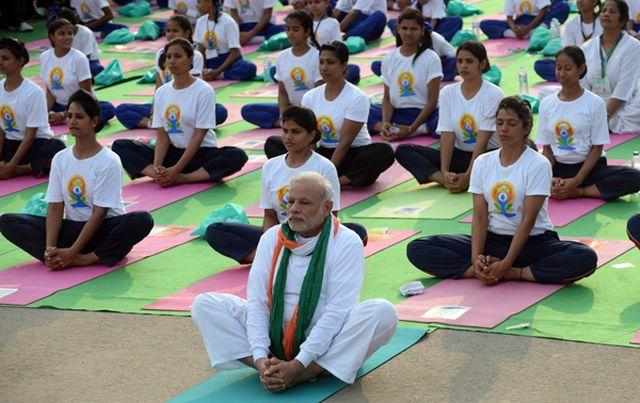 yoga-pm-20160621