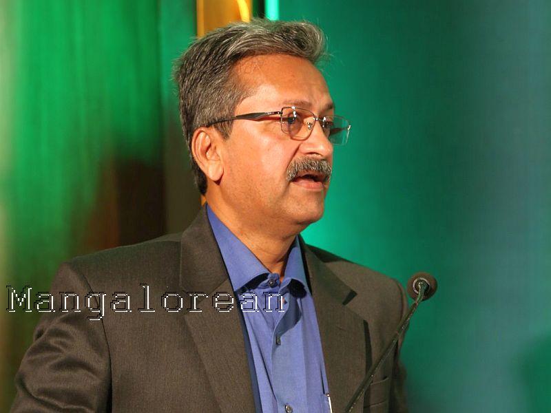 Communication-skills-essential-inspiring-leadership-Dr-M-S-Moodithaya (14)