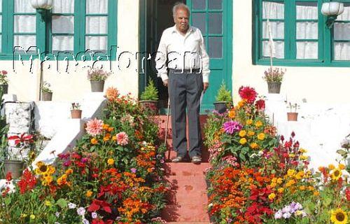 Former-Rajya-Sabha-Member-F-M-Khan-Passes-away-03