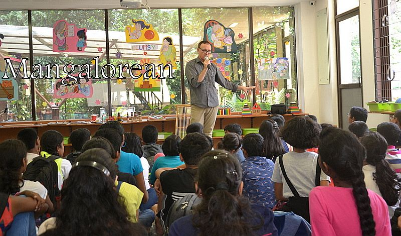 From-Aus-with-Love-Author-Ken-Reads-to-Kudla-Kids (17)