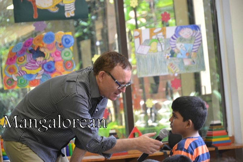 From-Aus-with-Love-Author-Ken-Reads-to-Kudla-Kids (18)