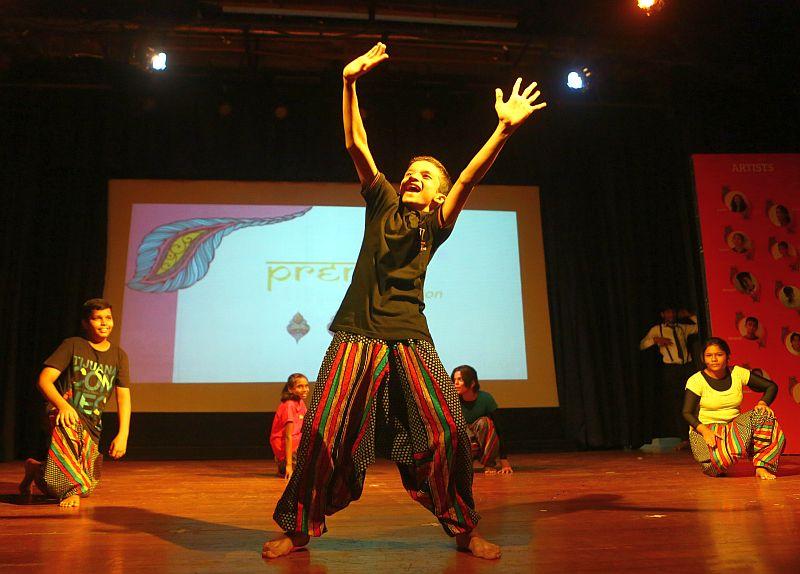Prerna-Mumbai-school-girls   (2)