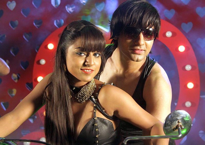 Ritika Gulati & Rahul Suri in Love Ke Funday