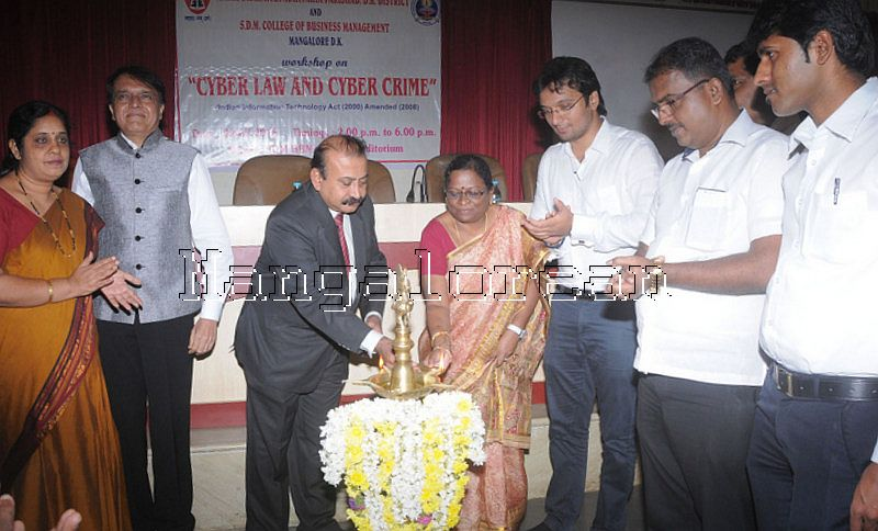 SDM College holds workshop on Cyber Crime and Laws