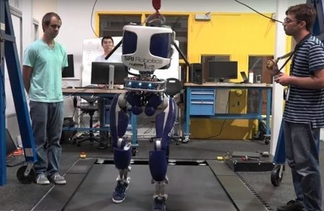 The-DURUS-New-Robot-Walks-Like-Human