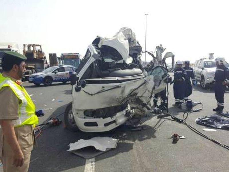 dubai-road-accident-20160726