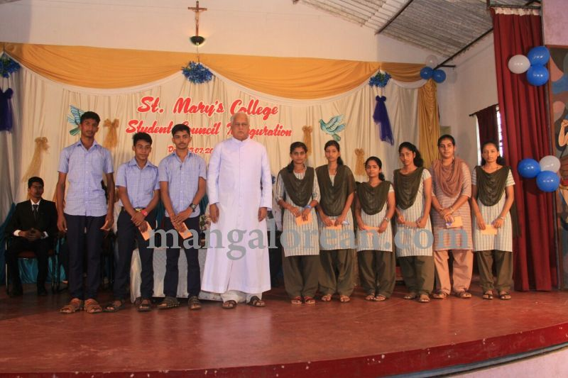 image001fx-gomes-inaugurates-student-council-at-st-mary's-college-shirva-20160723