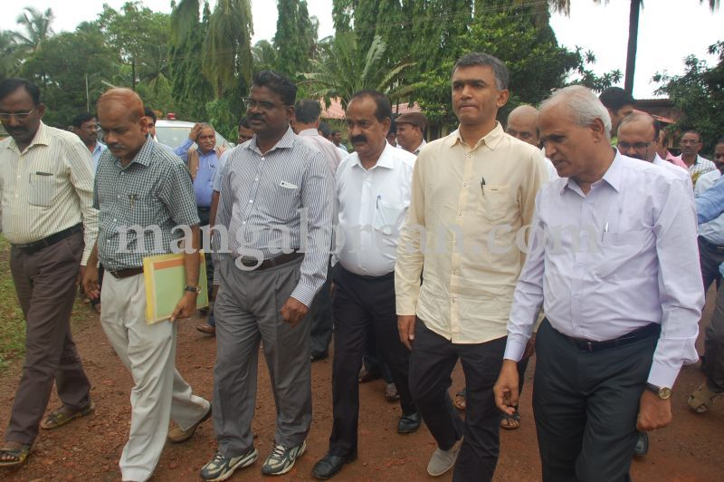 image002krishna-byre-gowda-launches-mechanised-paddy-cultivation-campaign-20160710