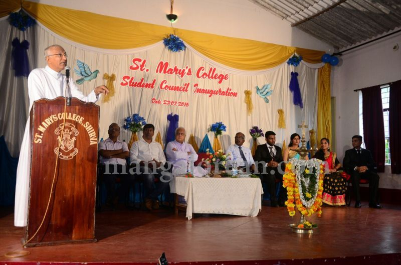 image003fx-gomes-inaugurates-student-council-at-st-mary's-college-shirva-20160723