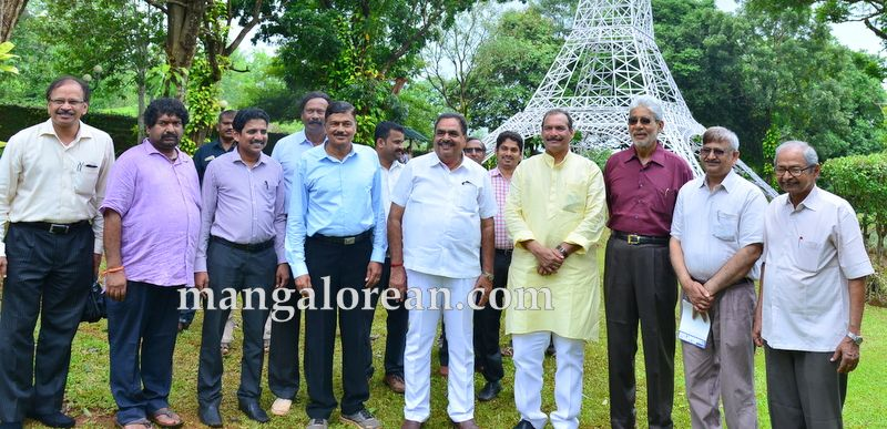 image004pilikula-mini-eiffel-tower-inauguration--20160727-004