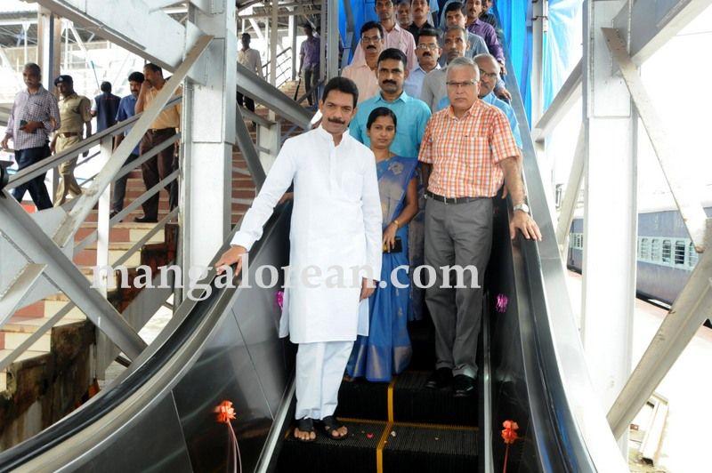 image004two-escalators-mangaluru-central-inaugurated-20160708-004