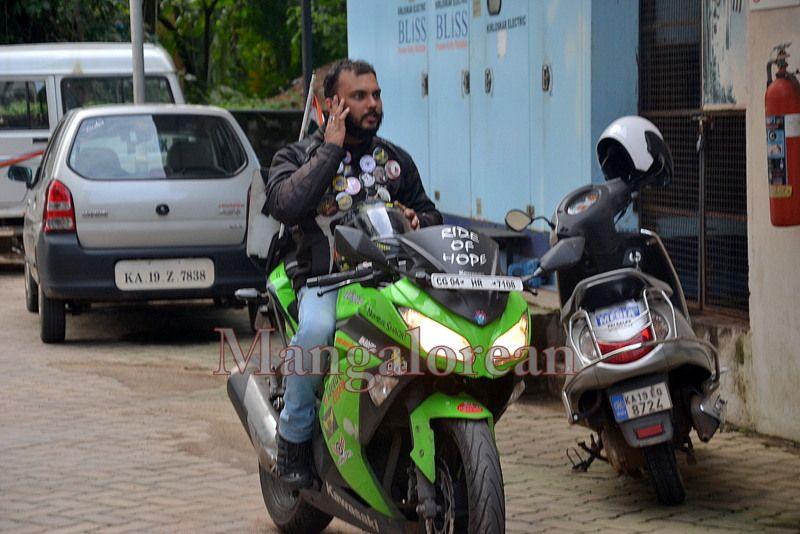 image006''Ride-of-Hope-Biker-brings-Awareness-Cancer-01-07072016-006