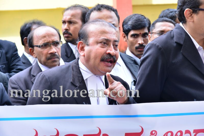 image006lawyers-protest-dysp-ganapati-suicide-case-20160715-006