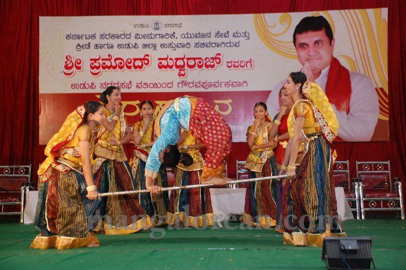 image006pramod-madhwaraj-civic-felicitation-udupi-cmc-20160703