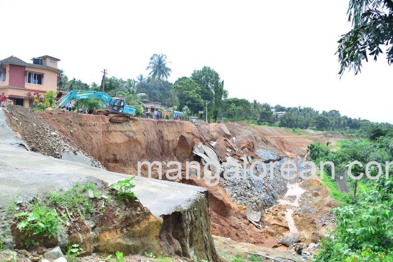 image006railway-tunnel-konguru-landslide-20160716-006