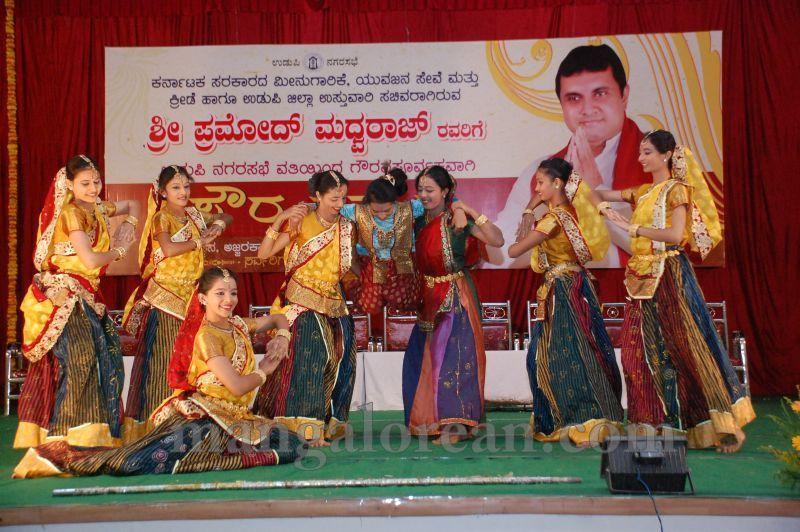 image007pramod-madhwaraj-civic-felicitation-udupi-cmc-20160703