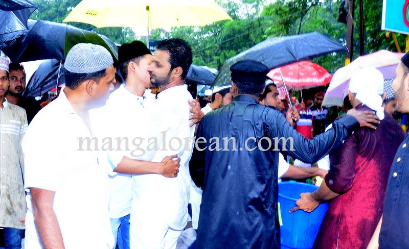 image008Muslim-Fraternity-Celebrates-Eid-Ul-Fitr-20160705-008