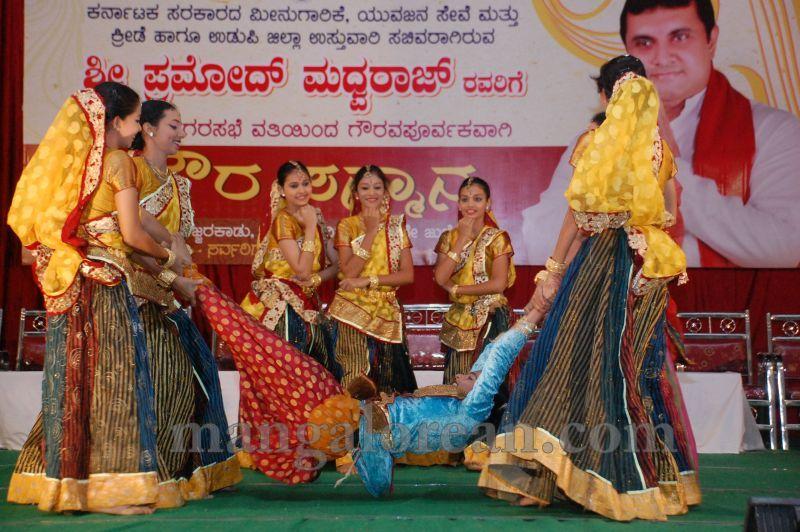 image008pramod-madhwaraj-civic-felicitation-udupi-cmc-20160703