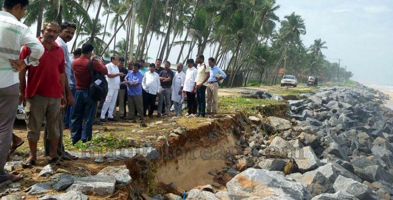 image008vinay-kumar-sorake-visits-areas-hit-by-sea erosion-20160707