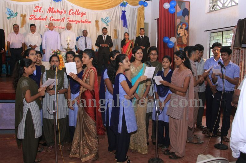 image009fx-gomes-inaugurates-student-council-at-st-mary's-college-shirva-20160723