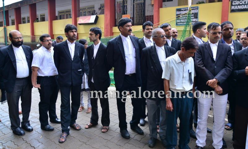 image009lawyers-protest-dysp-ganapati-suicide-case-20160715-009
