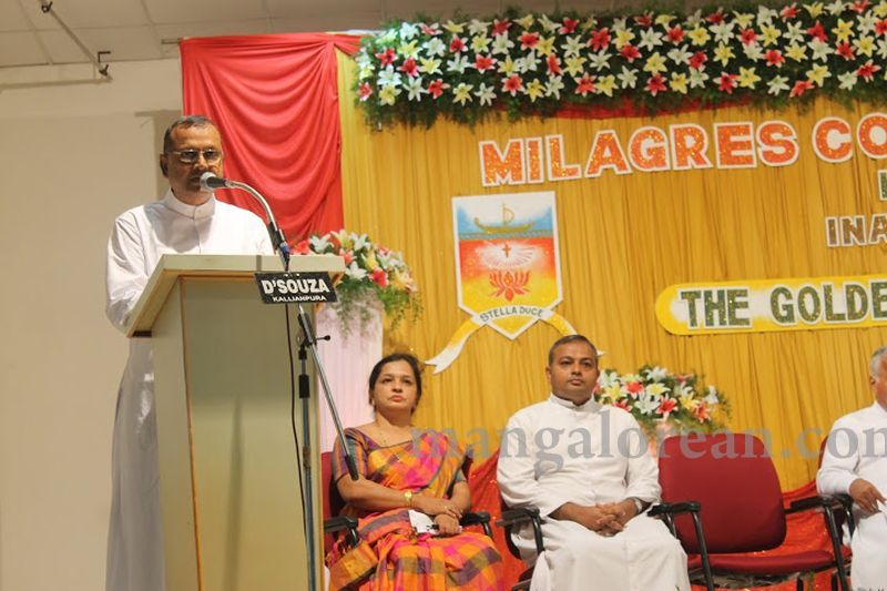 image009madhwaraj-inaugurates-golden-jubilee-year-of-milagres-college-20160717
