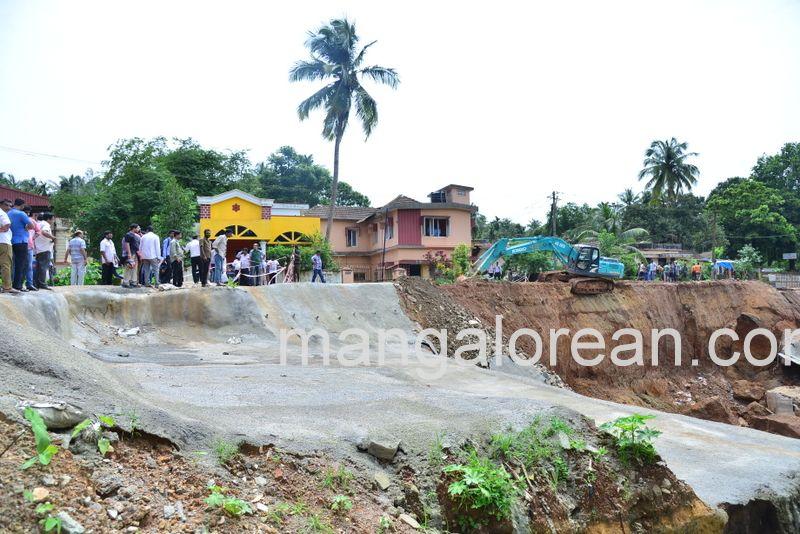 image009railway-tunnel-konguru-landslide-20160716-009