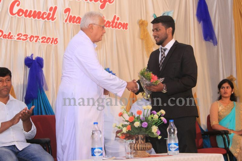 image010fx-gomes-inaugurates-student-council-at-st-mary's-college-shirva-20160723