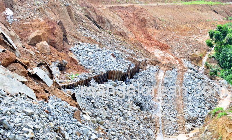 image010railway-tunnel-konguru-landslide-20160716-010