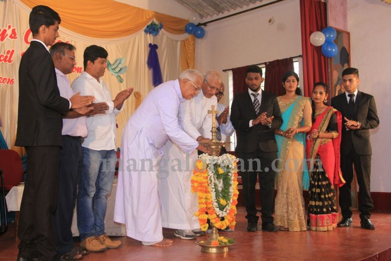 image012fx-gomes-inaugurates-student-council-at-st-mary's-college-shirva-20160723